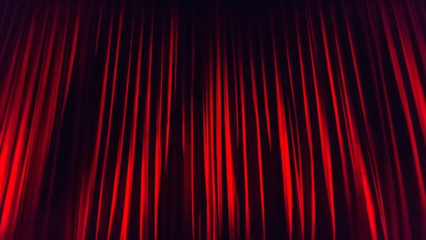Rideau de théâtre, Prestation Captation vidéo de spectacle vivant - OrnyCam Production